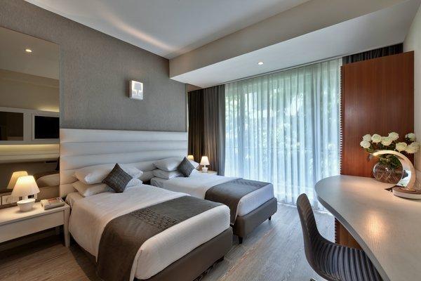 SUPER DELUXE RM 1, HOTEL THE ATARA , GURGAON, INDIA, vacation rental in Gurugram (Gurgaon)