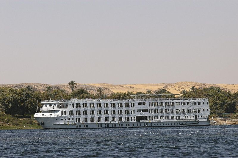 one week cruise on the Nile Luxor / esna / Edfu / Kom ombou / Aswan / Luxor