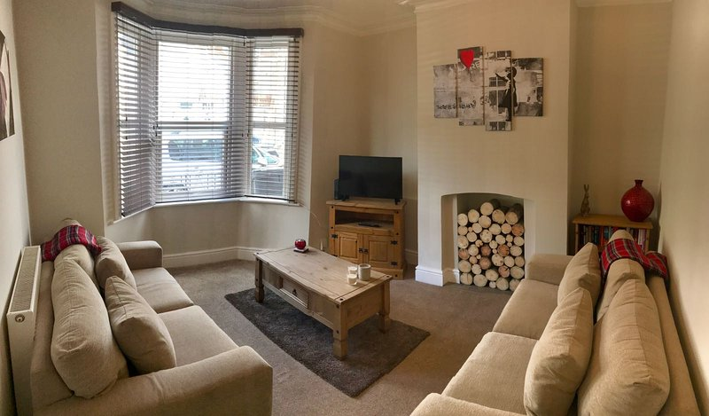 Lovely Victorian Terraced House, holiday rental in Bristol