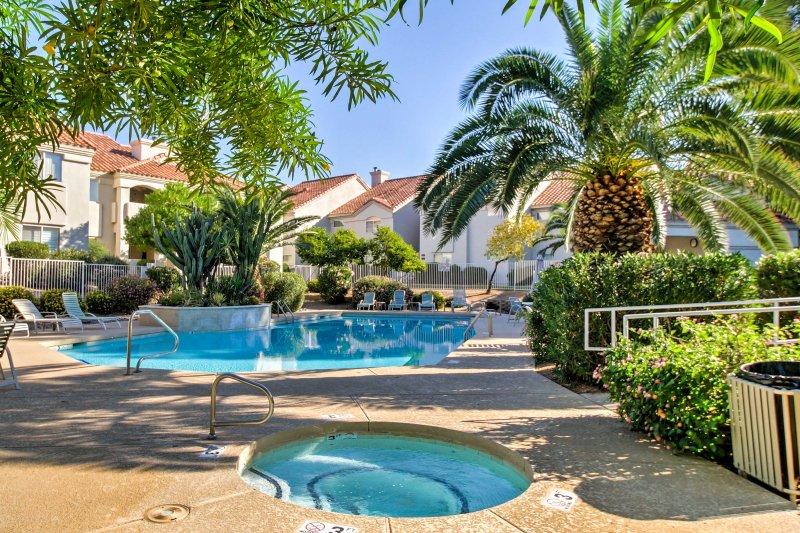 Genießen Sie Ruhe, Privatsphäre und Arizona Luxus von diesem kleinen Stück Paradies!