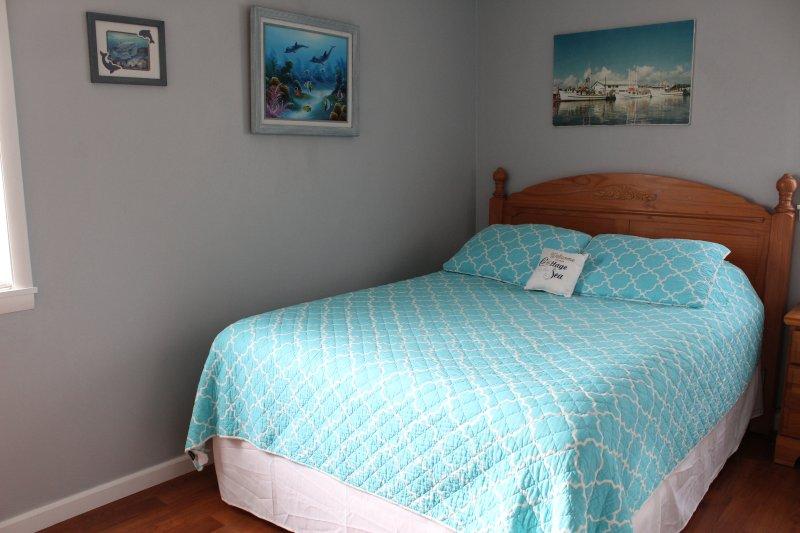Queen bedroom (2) different angle