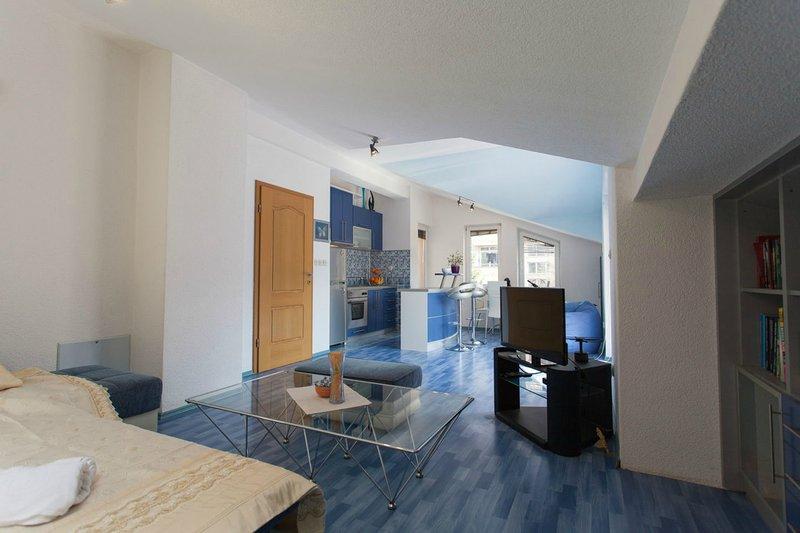 Amazing Apartment★ Perfect for Couples★2 Terraces★, location de vacances à Pestani