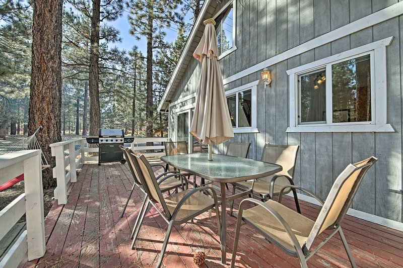 Experience all the best of Southern California from this 2-bedroom, 2-bathroom Big Bear City vacation rental cabin!