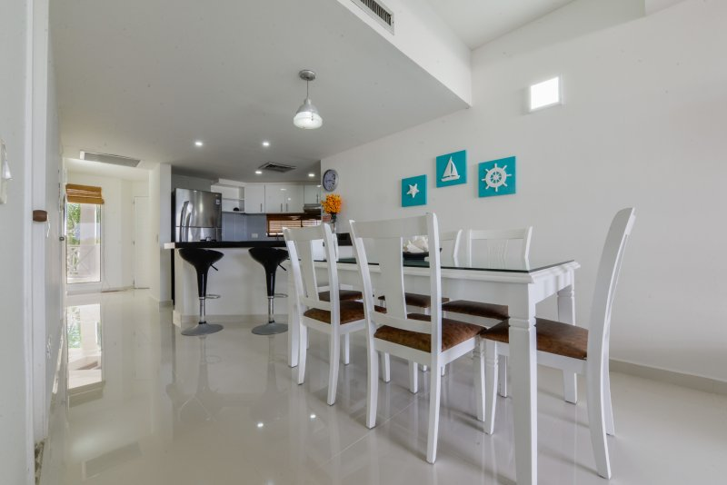 HERMOSO APTO  BAY POINT 403 CERCA A LA PLAYA, holiday rental in San Andres Island