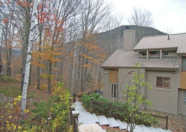 C011E- Managed by Loon Reservation Service - NH Meals & Rooms Lic# 056365, holiday rental in Lincoln