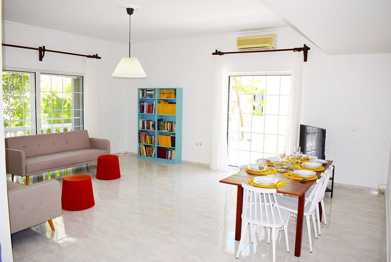 HRISI AKTI APT-CH,600m from sea,3bd modern flat,15off on May!, vacation rental in Chrissi Akti