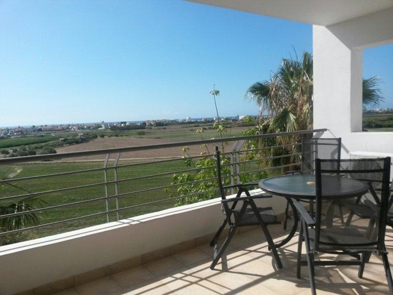 Seaview, Ferienwohnung in Larnaca