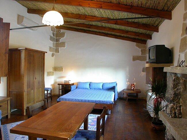 Stone house C, location de vacances à Lizzanello