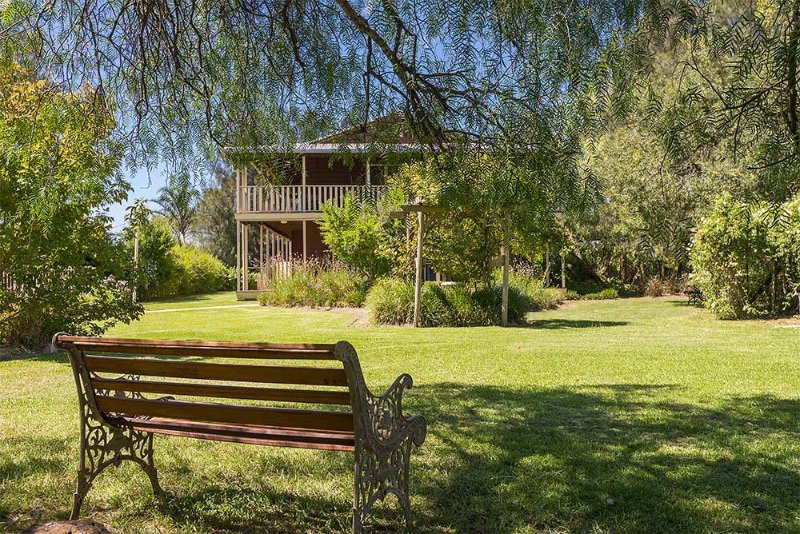 Elderslie House - Stunning Country House, vacation rental in Branxton