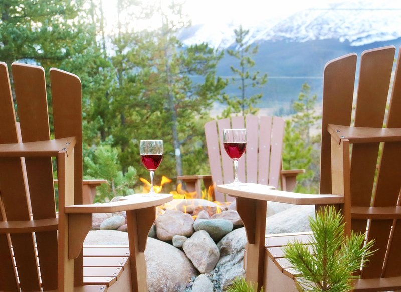 Enjoy the mountain views while sitting by the fire!