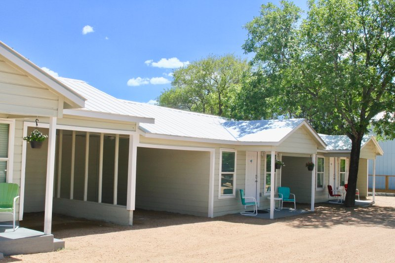 River Trail Cottages Motor Court #5, vacation rental in Kerrville
