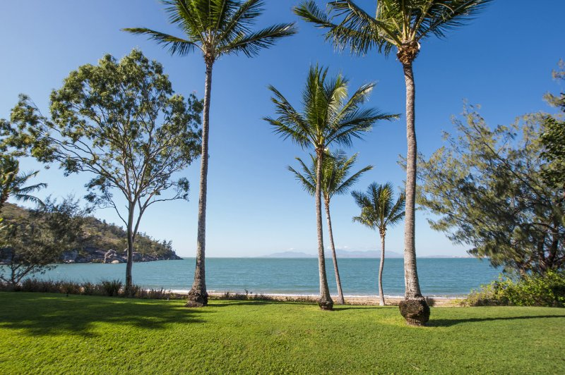 Picnic Beach'scape - Picnic Bay, QLD, location de vacances à Alligator Creek