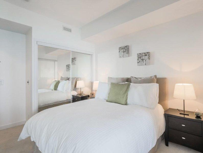 Noel Suites - York and Bremner, vacation rental in Toronto