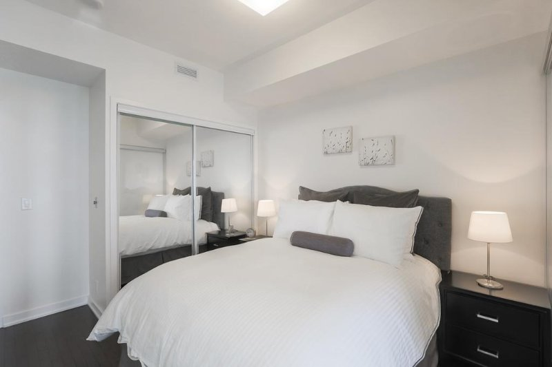 Noel Suites - York and Simcoe, vacation rental in Toronto
