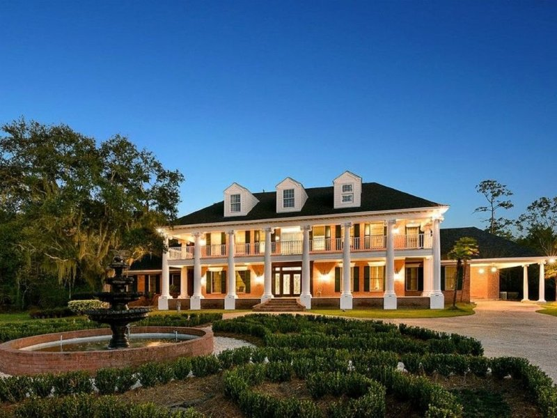 Bayou Oaks Plantation Has Grill and Washer - UPDATED 2019 ...