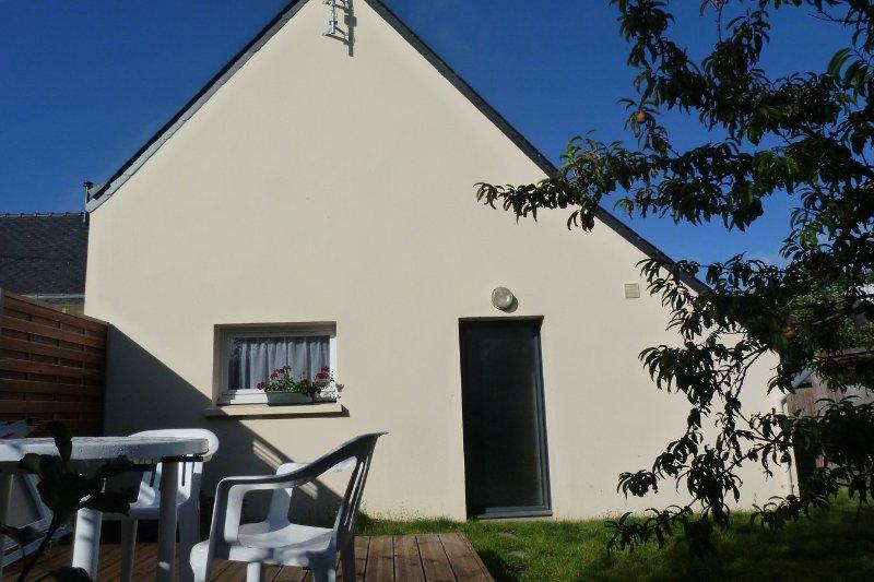 Maison avec jardin clos, secteur calme, location de vacances à Saint-Jean-Trolimon