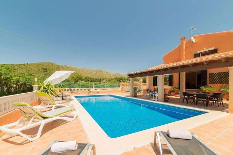 BONA VISTA Village House for 10 people with private pool and barbecue in Capdepe, location de vacances à Capdepera
