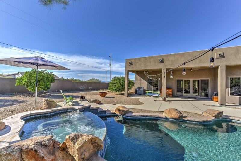 Your desert dream awaits at this 4-bedroom, 3-bathroom Phoenix vacation rental home, providing accommodations for 8 guests.