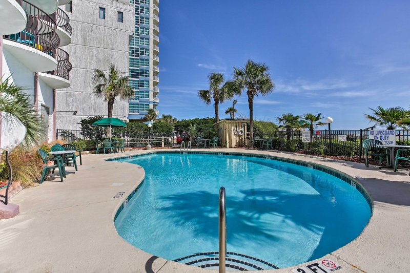 With indoor and outdoor pools and hot tubs, plus an amazing oceanfront location, there's no better place to soak up the sun!