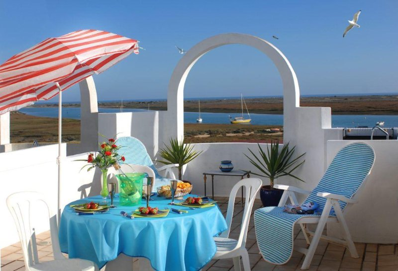 Beautiful holiday apartment for rent in Santa Luzia close to the city of Tavira Ria Formosa.