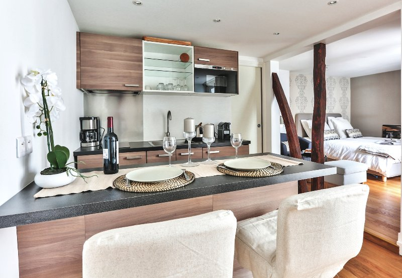 The kitchen is perfect  breakfast or romantic dining