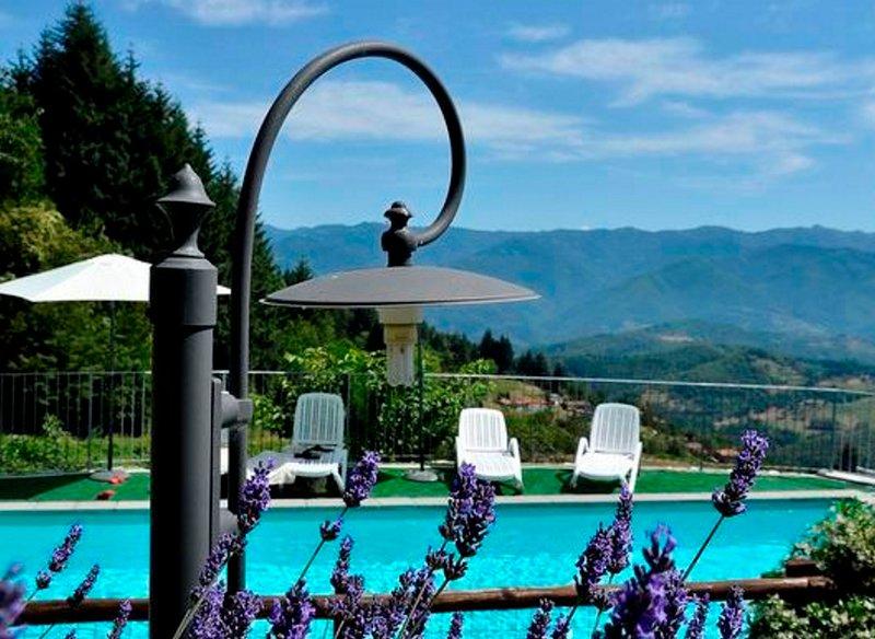 Vista Bellissima! Stunning views, private pool, walk to restaurant, WIFI,, holiday rental in Vergemoli