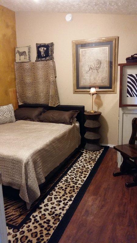 cama de matrimonio completo en dormitorio independiente. Cot (plegable individual) disponibles a petición. Max 4 personas