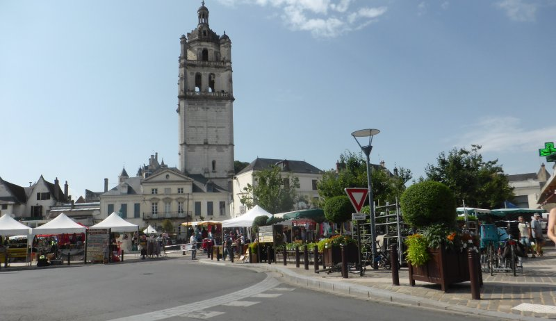 Loches market,Saturday and Wednesday mornings, a must for visitors to our cottage