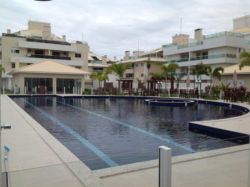 Apto. Novinho - Excelente localização e estrutura., holiday rental in Florianopolis