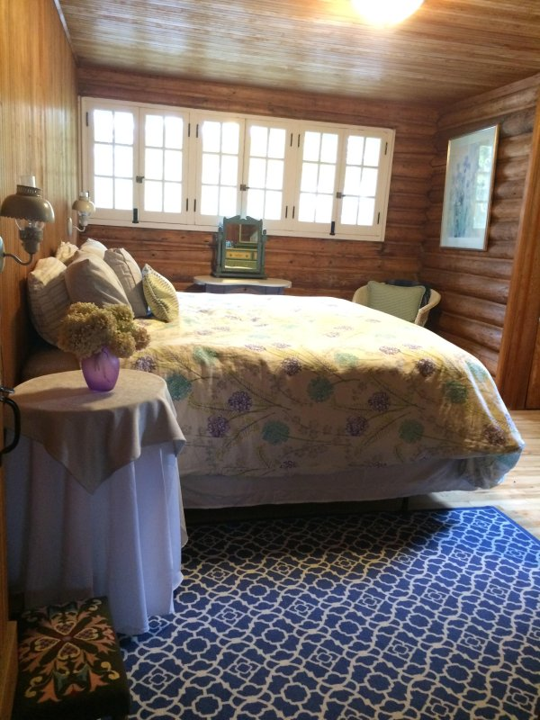 2nd King bedroom - with daybed