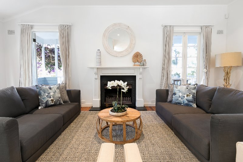 Hamptons Style Family Home 5 Minutes From Beach, holiday rental in North Narrabeen