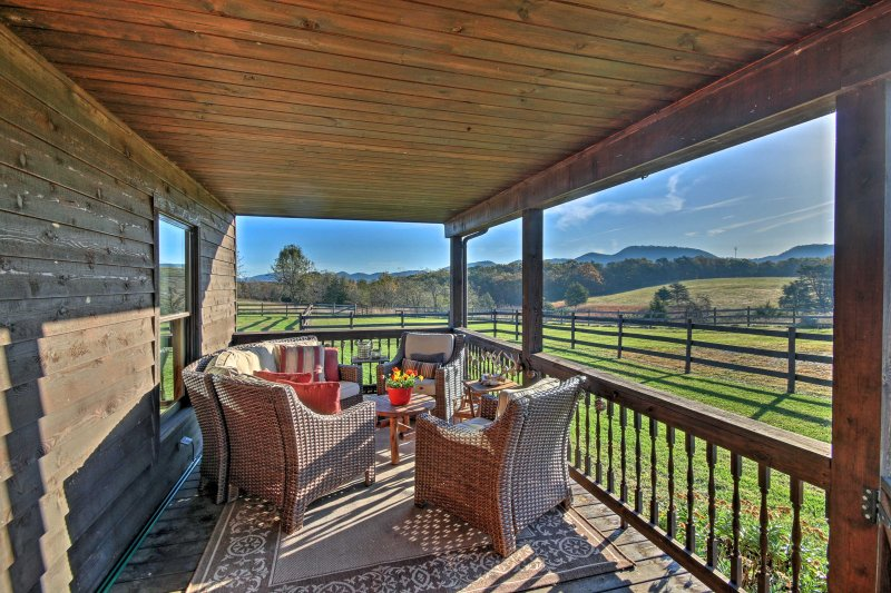 A picture perfect getaway awaits at 'Iron Horse Farm.'