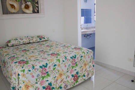 Apartamento na Praia de Pitangueiras, Guarujá., aluguéis de temporada em Guarujá