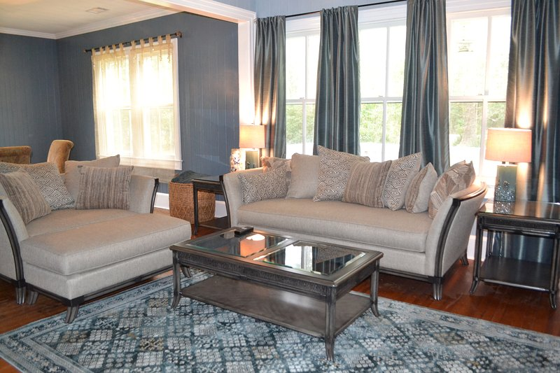 Historic Home with Starfish Theme close to Savannah/Brunswick/Fort Stewart/HHI, aluguéis de temporada em Midway