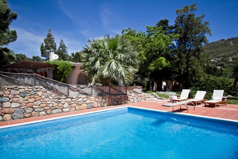 Exclusive Villa with Pool 20 meters from a sandy beach!, holiday rental in Torre delle Stelle
