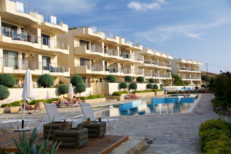 Lagged Resort Crete