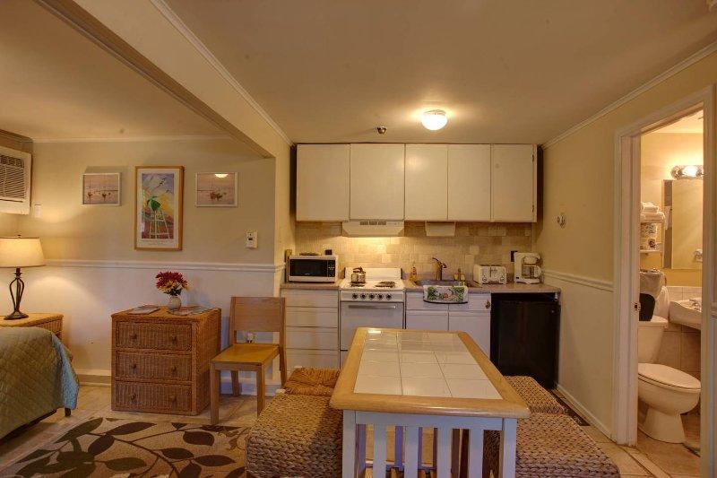 Vista de cocina desde la entrada de la Suite
