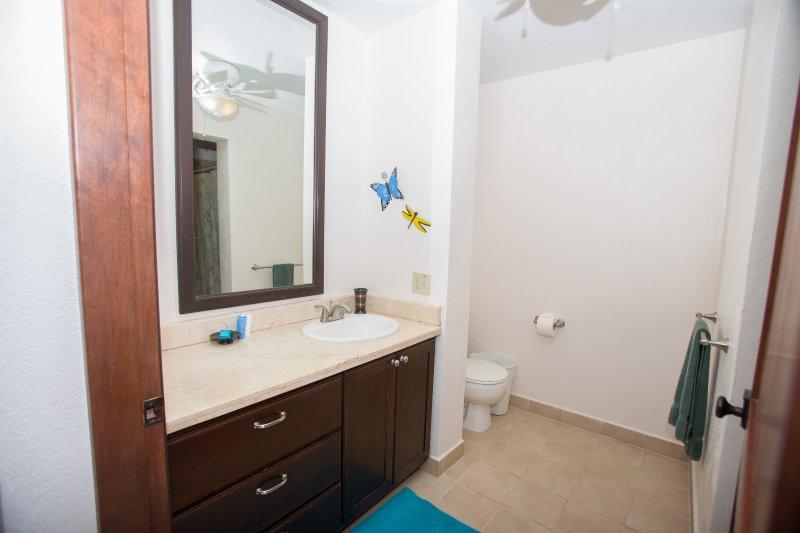 Cuarto de baño con 3 dormitorios