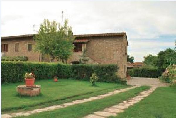 APPARTAMENTO IN COLONICA RISTRUTTURATA 'LITTLE SUNFLOWER HOME', holiday rental in Poggibonsi