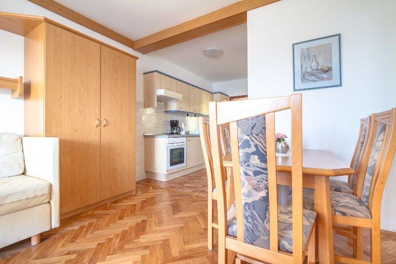 A5 (4 + 1): cozinha e sala de jantar