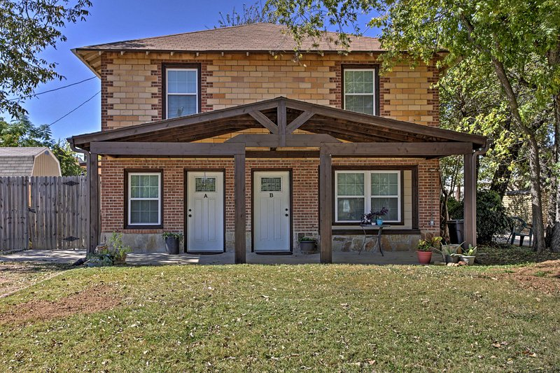 Ideally located just 1 mile from AT&T Stadium and a short walk from Arlington's Entertainment District, this home ensures a fun-filled getaway.