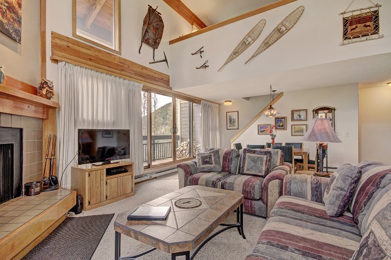 Living Room - Enjoy the authentic mountain feel of the furnishings throughout the condo.