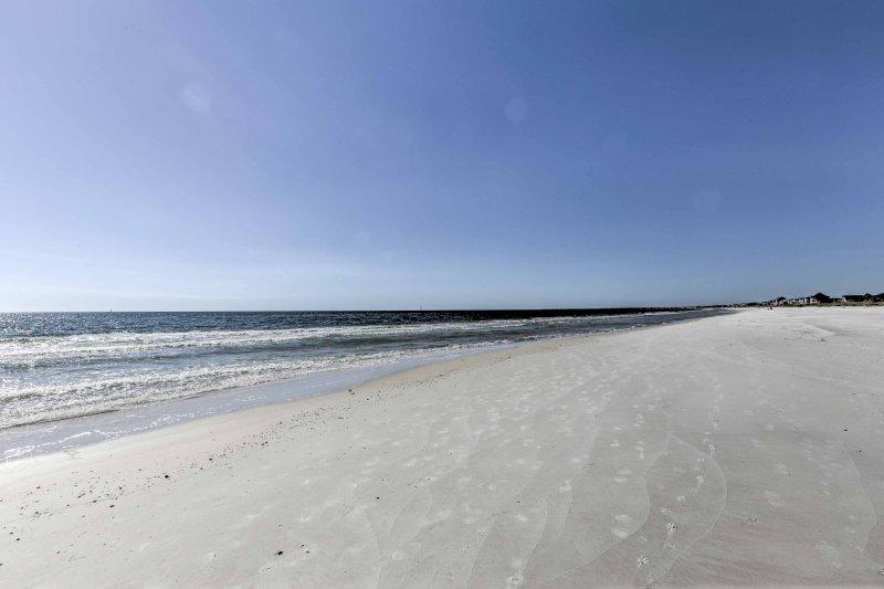 Rivendica questa fetta di paradiso in Florida quando si ritira a 'Golden Days,' un 2 camere da letto, 1,5 bagno di casa vacanze residenza a Port St. Joe!