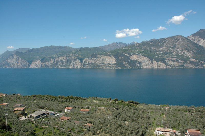 Stunning view of Lake Garda - two bedrooms flat - Casa Prea Malcesine, holiday rental in Limone sul Garda