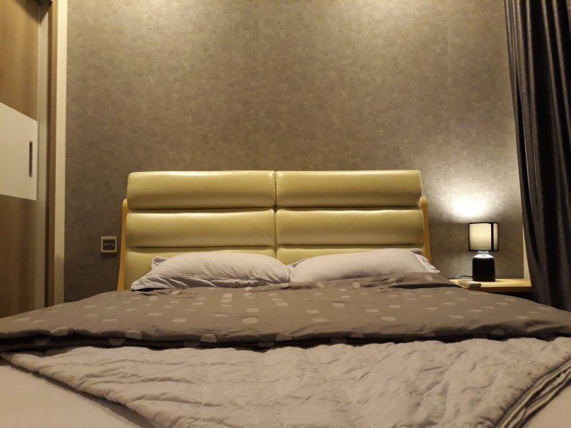 Une vue plus rapprochée des lits doubles.