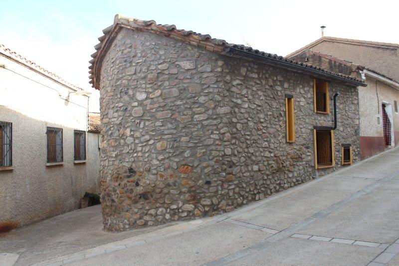 Casa Rural El Horno De Trasmoz, vacation rental in Ainzon