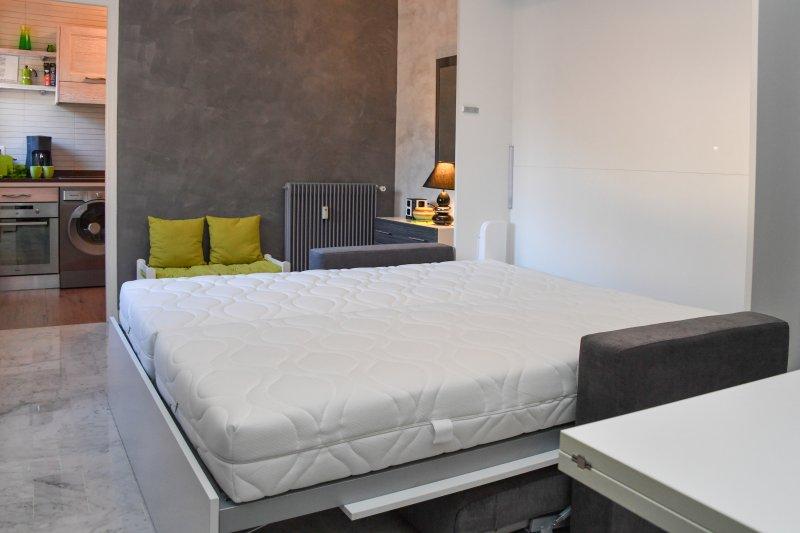 Bed  2 x 80 x 200
