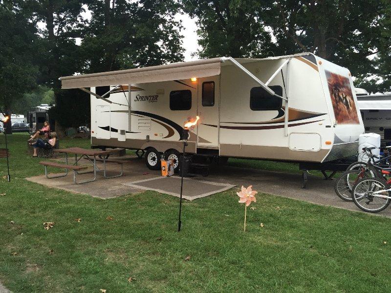 Rent an RV for your next adventure!, location de vacances à Ashley