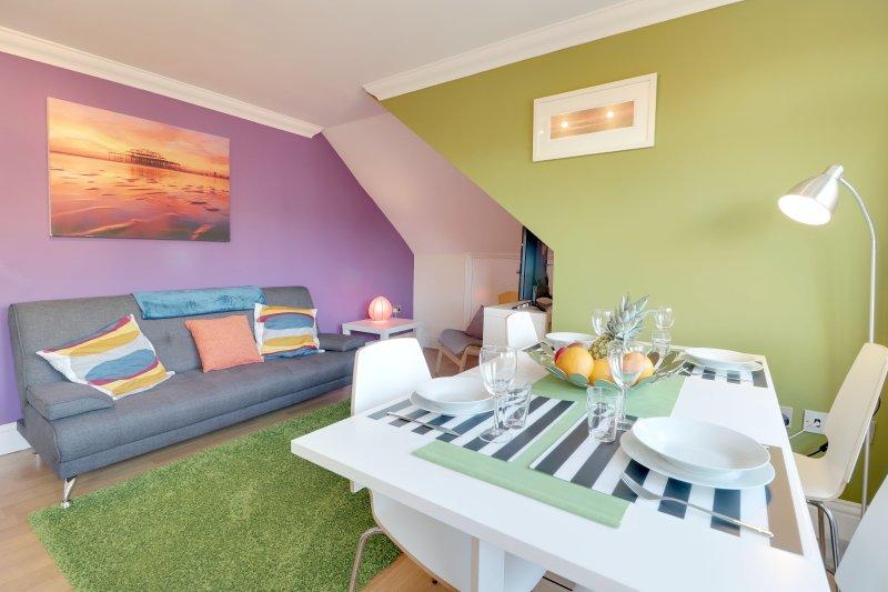 Brunswick Fab Pad - 2 Bedroom & 2 bathroom & Garden view balcony., holiday rental in Shoreham-by-Sea