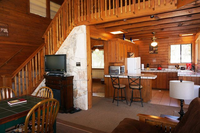 Ranch At Wimberley Pool Lodge Has Wi Fi And Patio